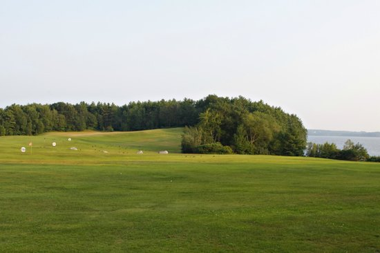 Taber's Restaurant and Golf: Driving range