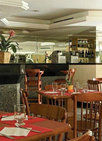 PalmLeaf Residence: restaurante