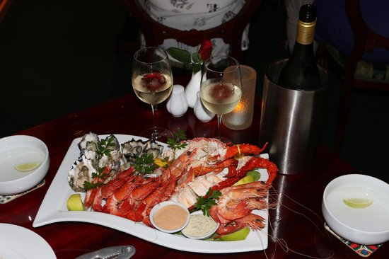 Elizans Wine and Mezze Bar: Cold Seafood Banquet Plattter