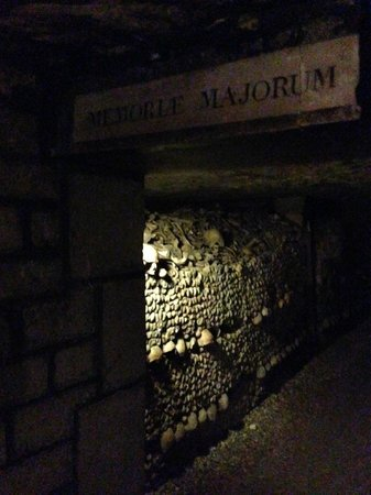 Les Catacombes : A small section of remains