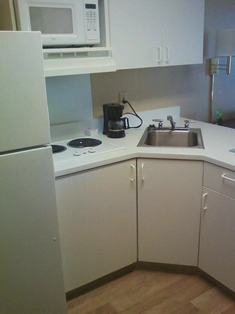 Extended Stay America - Raleigh - Cary - Regency Parkway North: Wonderful kitchenette