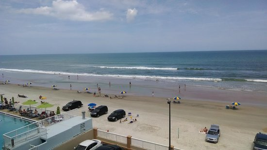 Hampton Inn Daytona Shores - Oceanfront: View from balcony