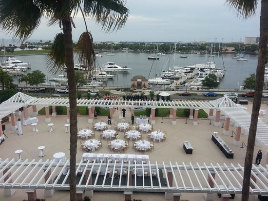 The Vinoy Renaissance St. Petersburg Resort & Golf Club : Wedding going on down below