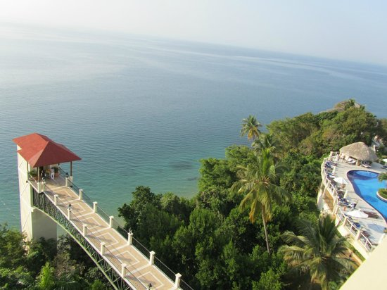 Grand Bahia Principe Cayacoa: View from balcony