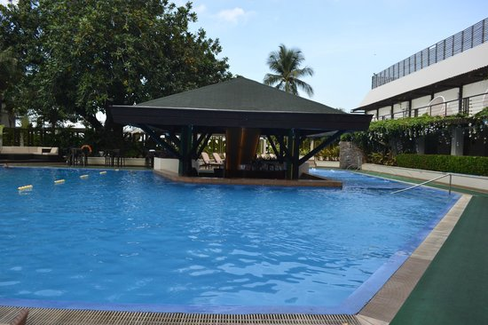 The Manila Hotel: piscine