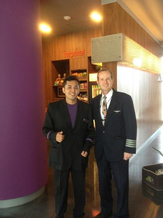 Courtyard by Marriott Mexico City Airport: Roberto Garcia and Captain Randy Plante in lobby.