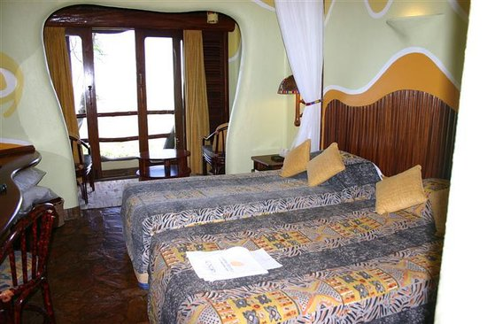 Mara Serena Safari Lodge : Rooms smaller but comfortable