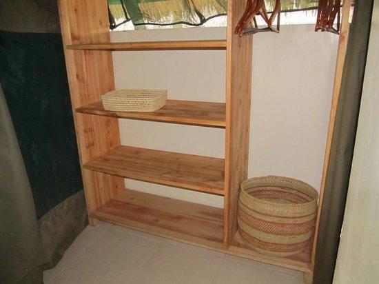 Tarangire Safari Lodge: Lots of storage space