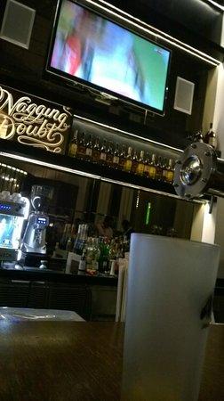 Le Meridien Kuala Lumpur : Bar.