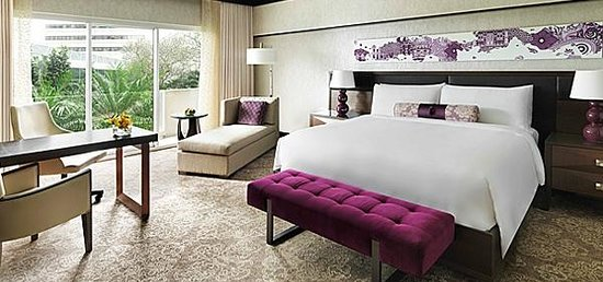 Fairmont Singapore: Newly Renovated Fairmont Room