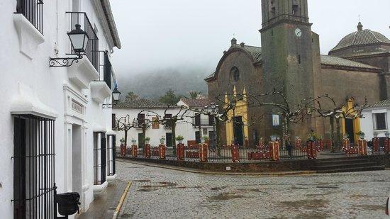 Jacaranda: fachada del Rte a la izquierda