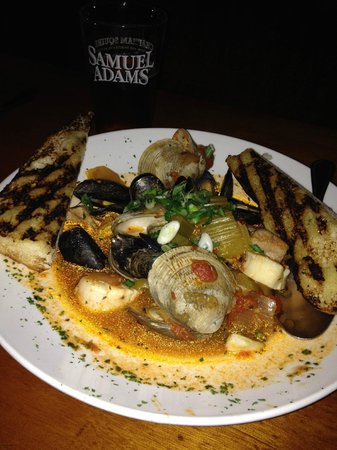 Chatham Squire Restaurant: The best Cioppino I've had - I could eat it every day