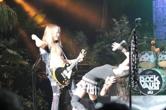 Raiding The Rock Vault: Doug Aldrich on guitar