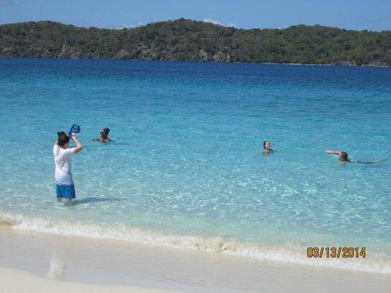 Godfrey Tours: Coki beach