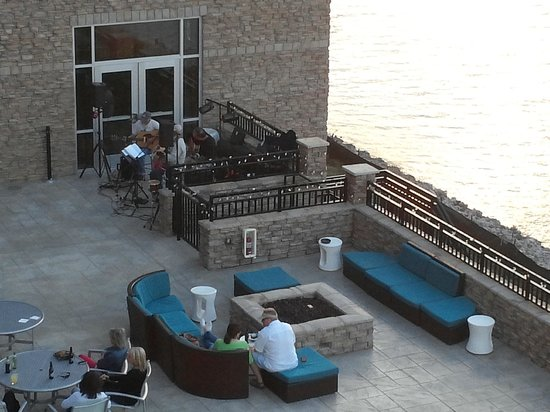 SpringHill Suites Chattanooga Downtown/Cameron Harbor: Live band on Waterside Wednesday - view from room 329