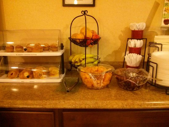 Clarion Inn & Suites Atlantic City North: Breakfast at the Clarion.