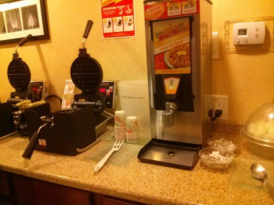 Clarion Inn & Suites Atlantic City North: Waffles are awesome