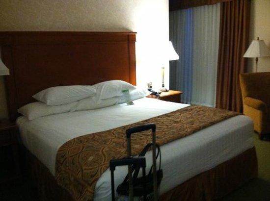Drury Inn & Suites Kansas City Independence: Bedroom