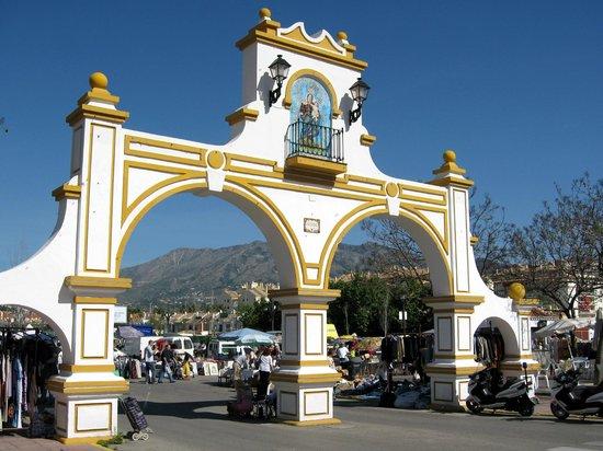 Yamasol Apartments: Puerta principal Recinto Ferial Fuengirola