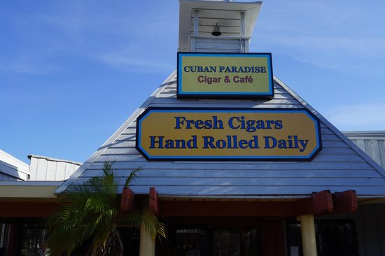 Cuban Paradise Cigar and Cafe: madeira beach fl