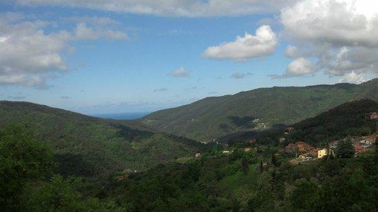 Il Laghello di Amina : View from the hill