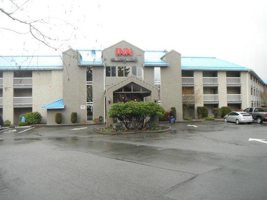 The Inn on Long Lake: Main Entrance