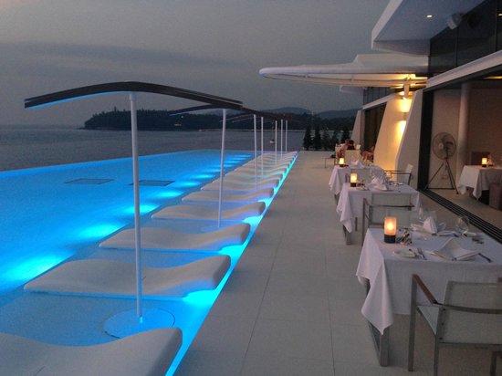 Kata Rocks: restaurant and pool