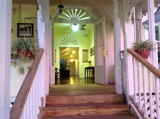 Hotel Victoriano : great wood work & design details.