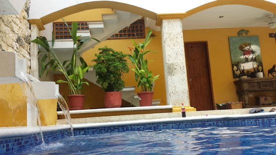 Hotel Casa Gloria : Courtyard