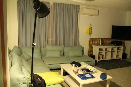 Moorings on Cavill Avenue: Living room