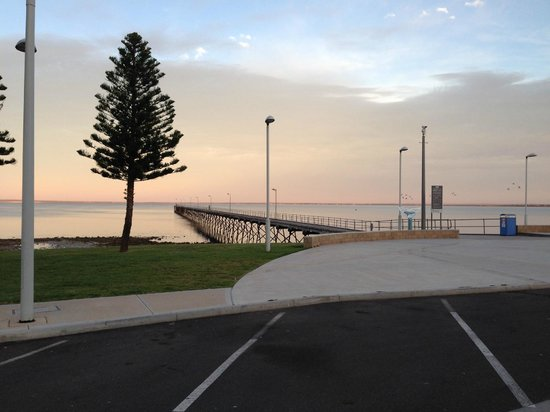 Ceduna Foreshore Hotel Motel : View of the Jetty from the hotel