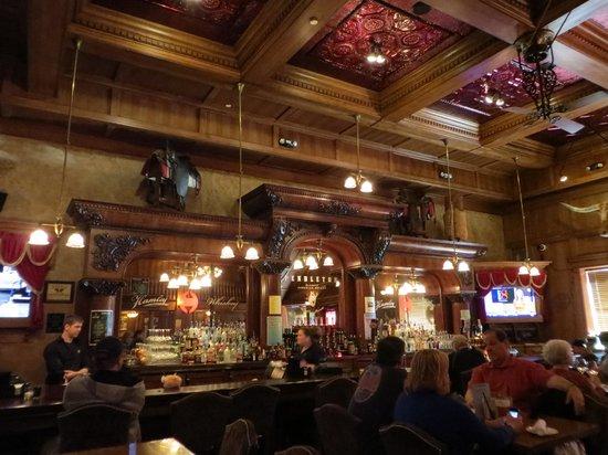 Hamley Steakhouse & Saloon: Saloon