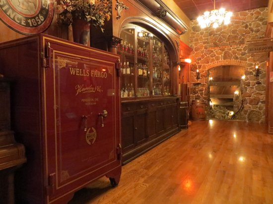 Hamley Steakhouse: Well Fargo Safe