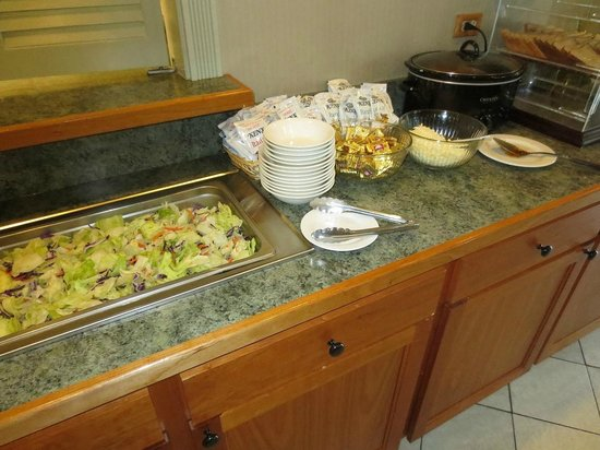 CrestHill Suites Albany: Salads for happy hour