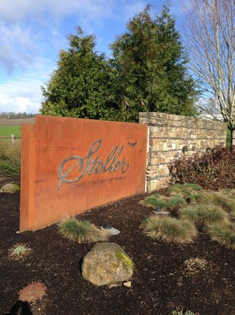 Stoller Family Estate: Entrance