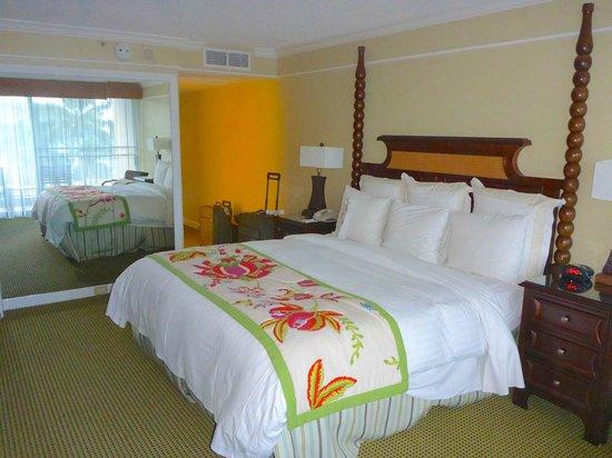 Kauai Marriott Resort: Bedroom 678 Kahali tower