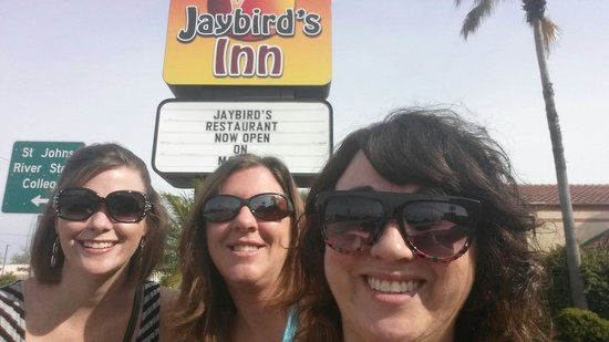 Jaybird's Inn : A girls getaway