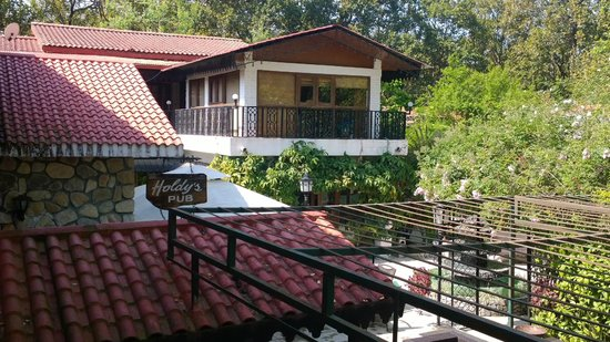 Vishranti - A Doon Valley Jungle Retreat: Hotel building