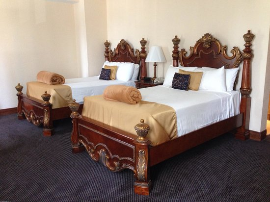 Floridan Palace Hotel: Double beds