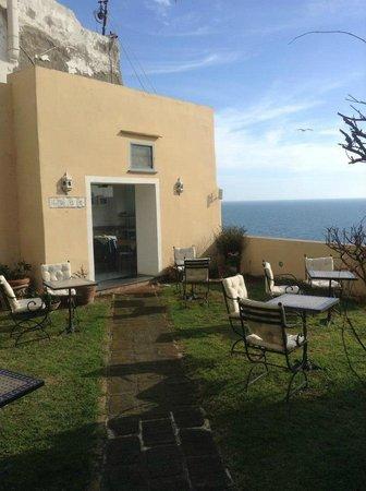 Hotel La Casa sul Mare: breakfast area
