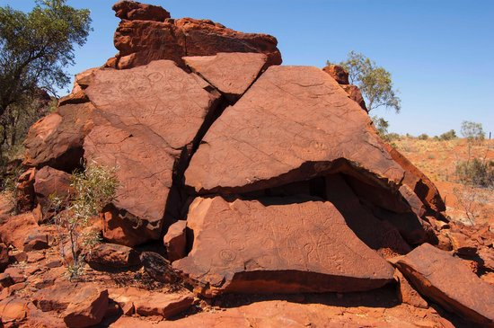 Ewaninga Rock Carvings Conservation Reserve: Ewananings rock carvings 2