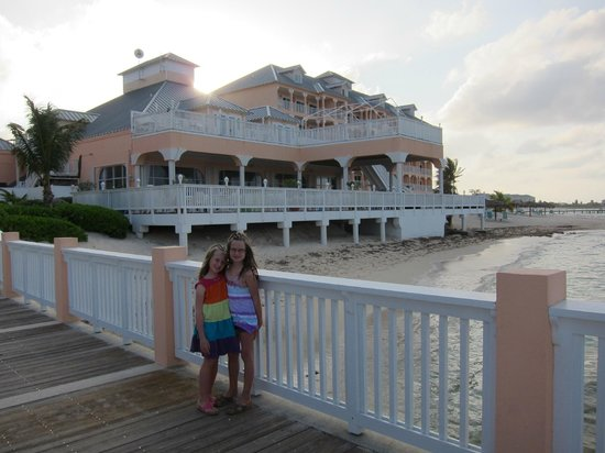 Morritts Tortuga Club and Resort : From Mimi's dock