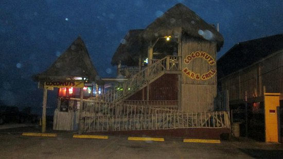 Coconuts Bar & Grill : Outside view