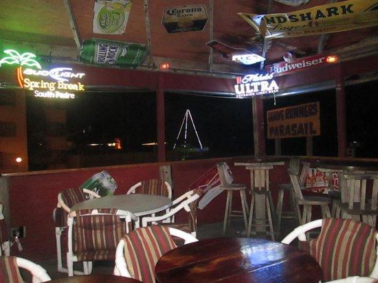 Coconuts Bar & Grill : inside