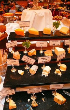 Belmond Grand Hotel Europe: Nearly 20 sorts of cheese