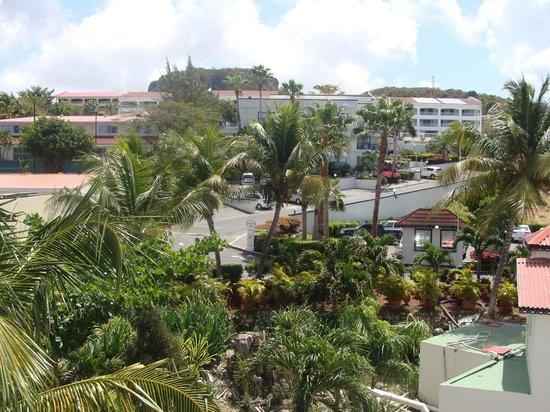 Flamingo Beach Resort : non beach view...it wasnt bad at all