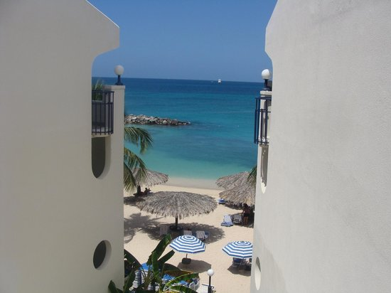Flamingo Beach Resort : view from the 4th floor