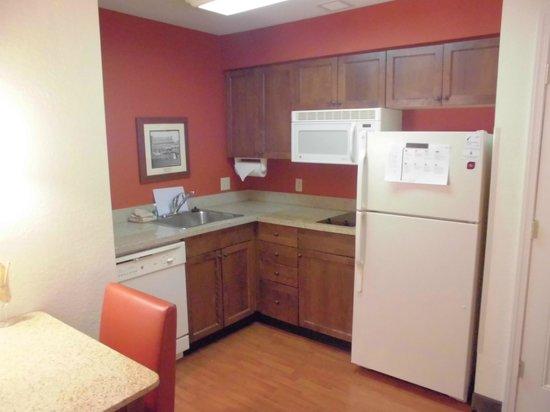 Residence Inn Saratoga Springs : キッチン