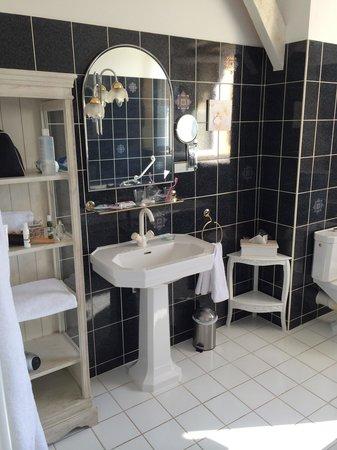 Manoir de la Roseraie : Salle de bain chambre Alaska