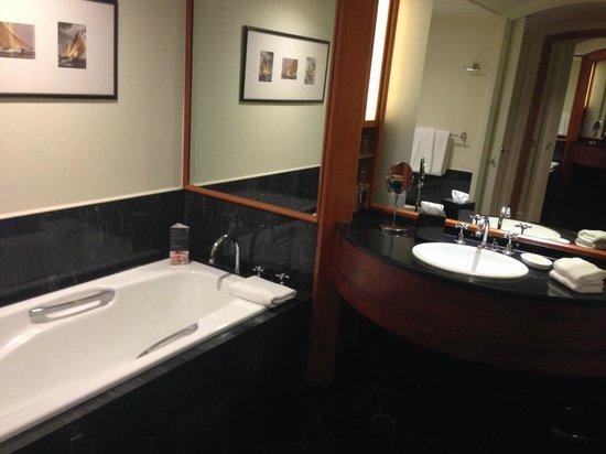 Sheraton on the Park, Sydney : Lovely bathroom